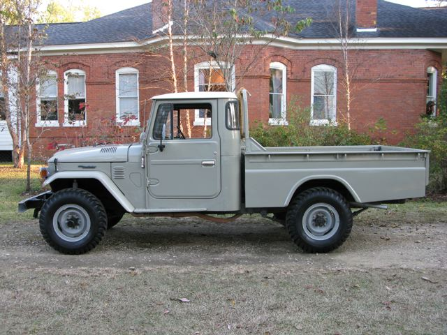 1979 toyota land cruiser hj45 pick up diesel fj40 toyota land cruisers land rovers and. Black Bedroom Furniture Sets. Home Design Ideas